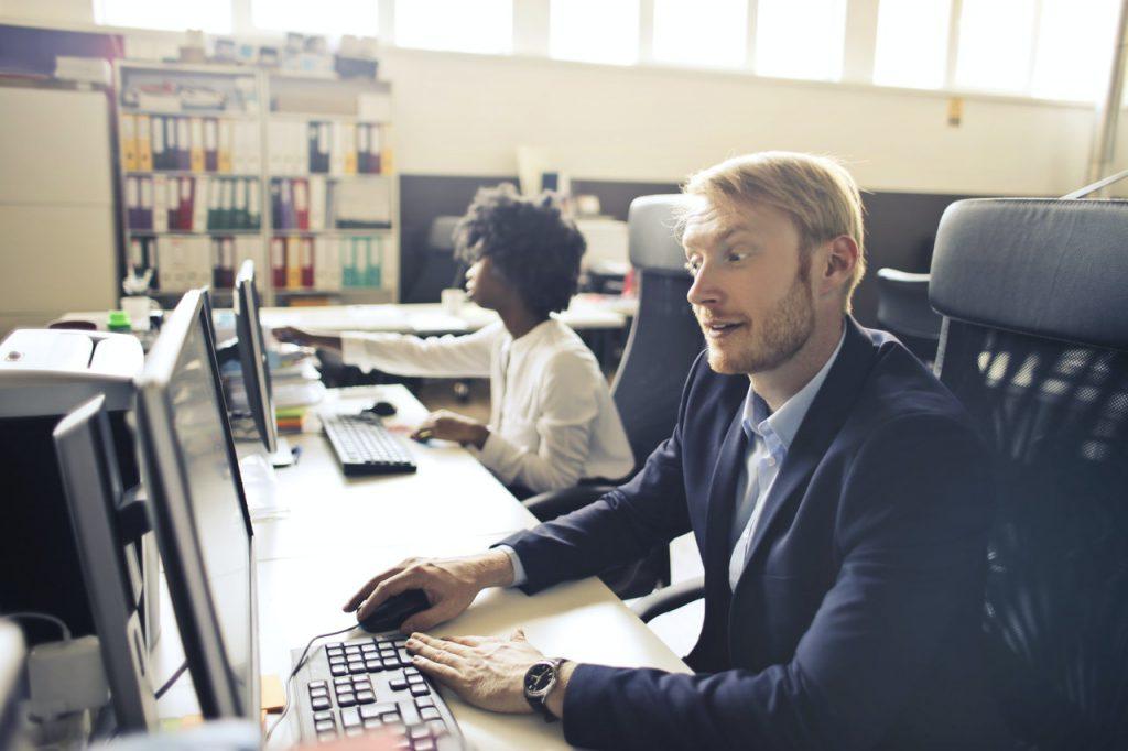 Konto firmowe czy osobiste - co wybrać, gdy prowadzimy firmę